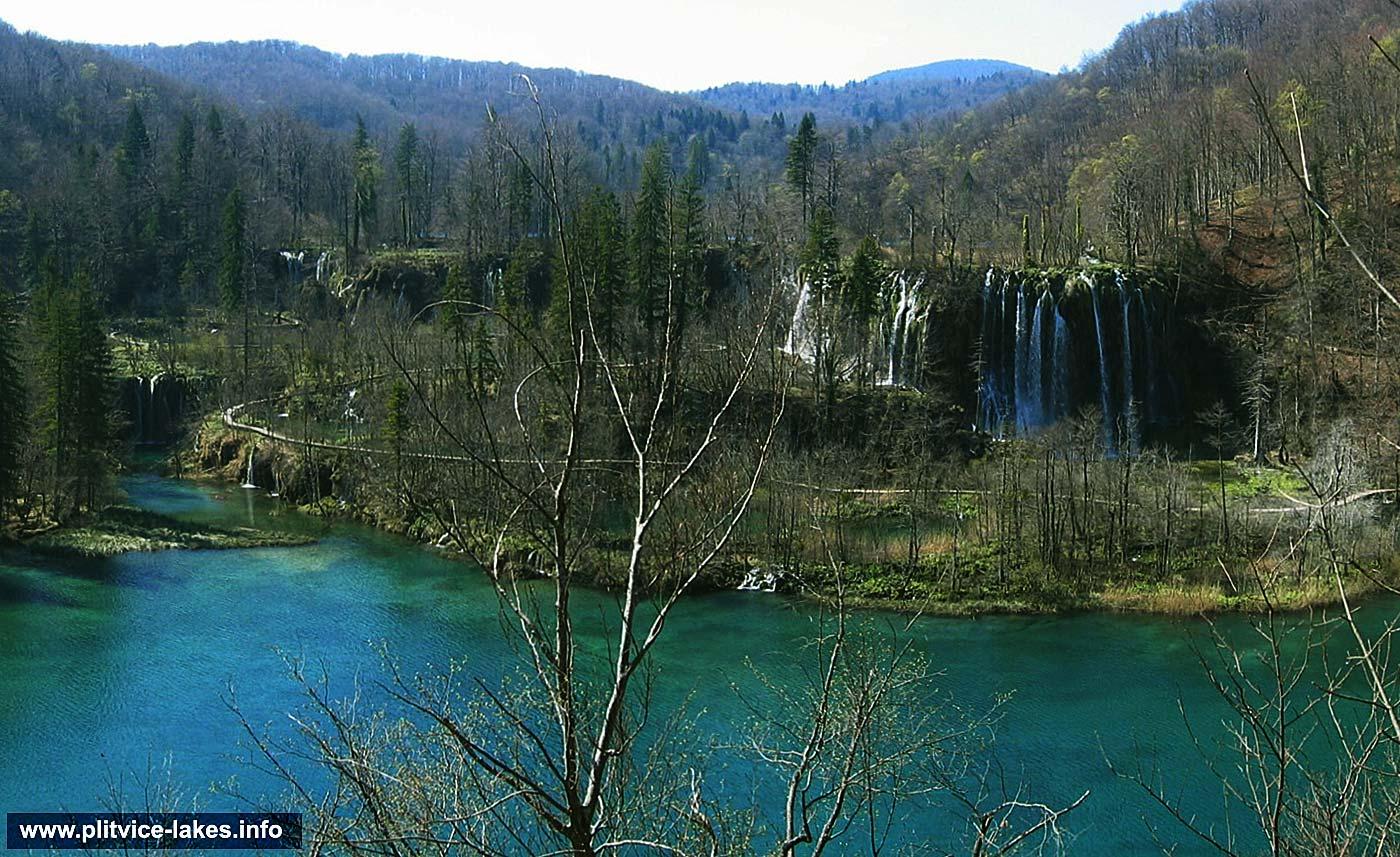 Panoramic views over Gradinsko Lake, Galovacki Buk and Prstavci waterfalls @ Plitvicka Jezera