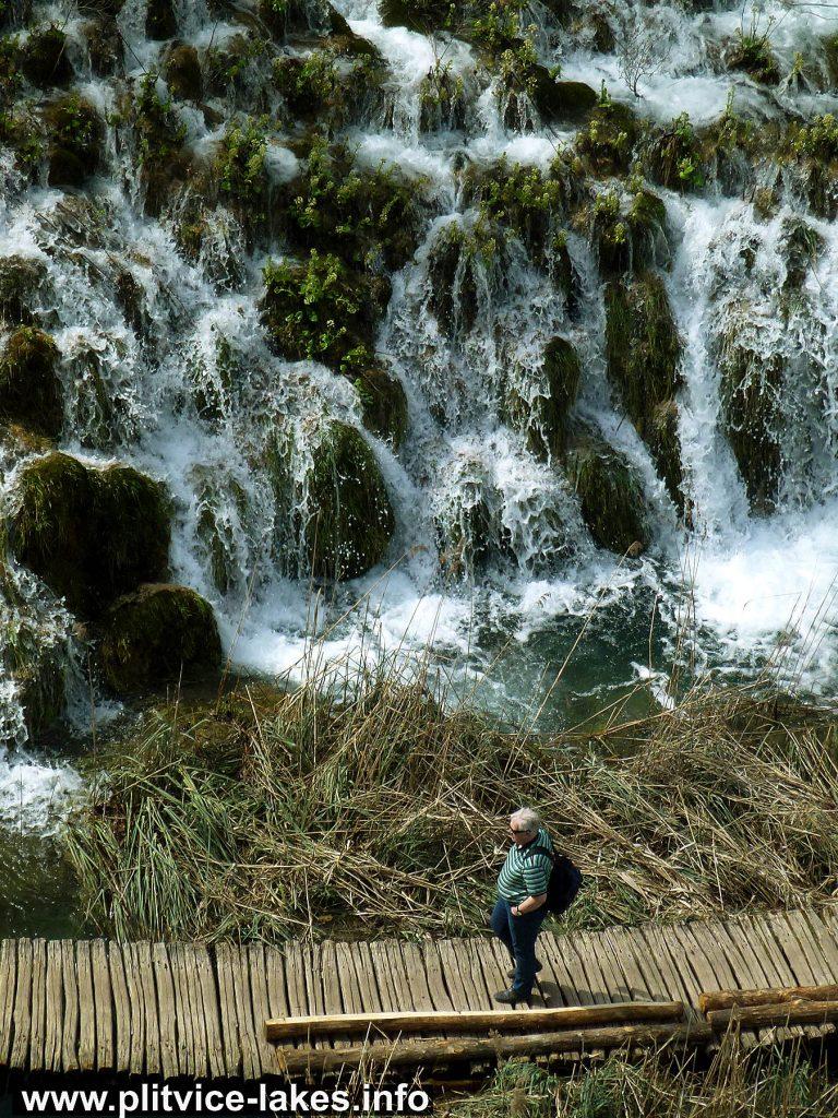 Easy Hike along Plitvice Lakes