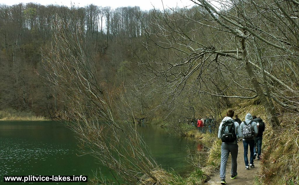 Hiking along peaceful Lake @ Plitvice