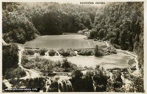 Views over Kaluđerovac, Novakovica Brod and barriers (1960)
