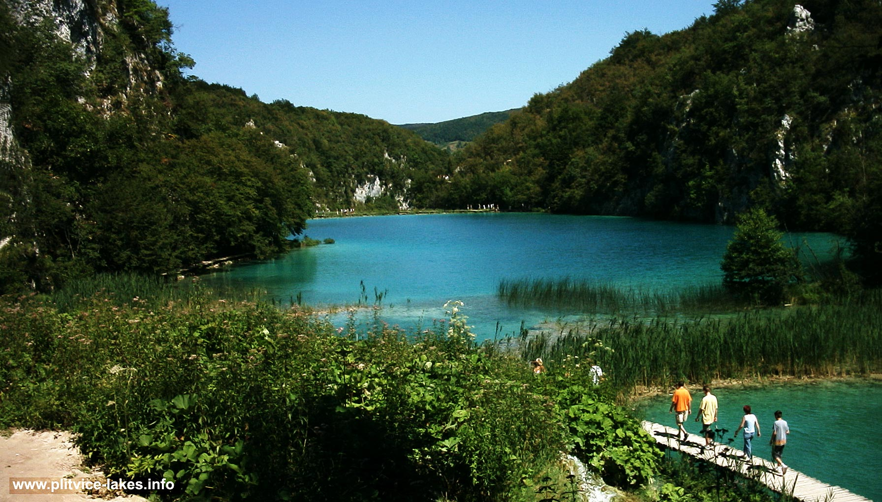 Approach to Kaluđerovac Jezero @ Plitvice Lakes, summer