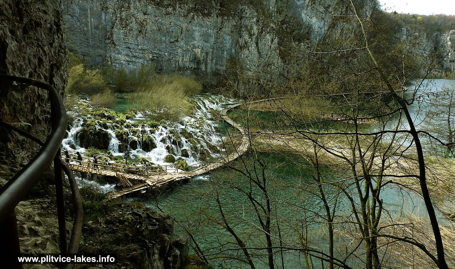 Spring Stroll along the lakes and waterfalls @ Plitvicka Jezera